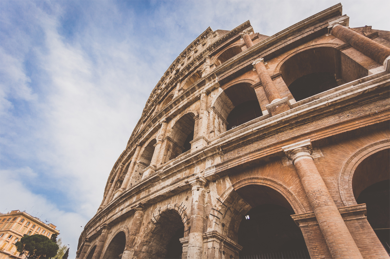 Snapshot of the Colosseum, Rome, Italy. Photo by Melanie van Leeuwen