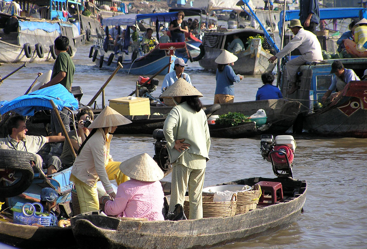 Market on the Mekong river